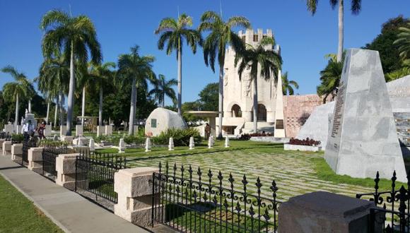 Tributan a Fidel por su natalicio 94 en Santiago de Cuba