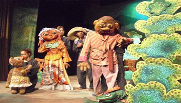 En el teatro Guiñol Santiago obra La pluma de Martí