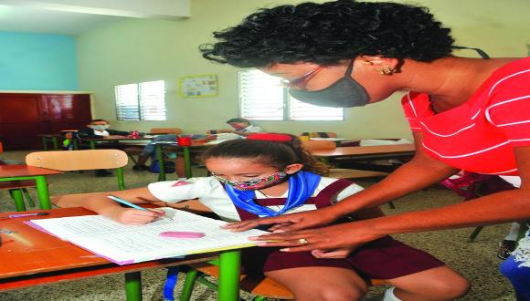 La obra maestra de Cuba: sembrar escuelas